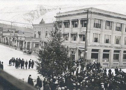 Glenwood Springs town gathering